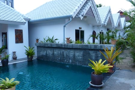 Beautiful family bungalow  - Choeng Thale - Casa