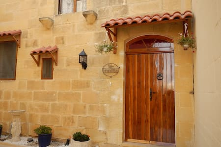 TAL FRANCIZA B&B with private pool - Nadur - Casa