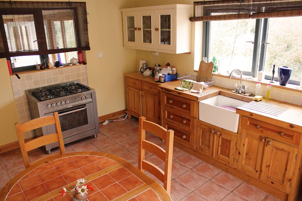 Shared kitchen with lots of space
