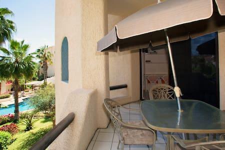 QUIET SEASHORE CONDO W/BALCONY - Cabo San Lucas - Apartment