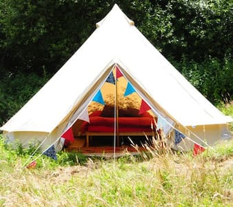 Furnished Bell Tent, Lovely Farm - Telt