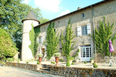 Chateau de Roussac Chambres d'Hotes - Bed & Breakfast
