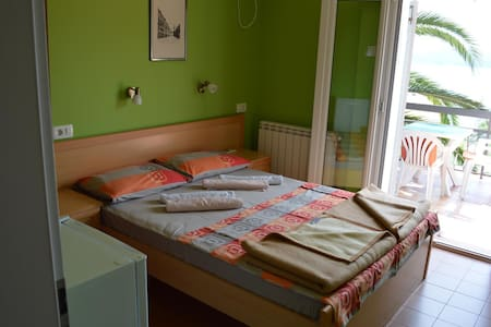 Doublebed Room - MM Apartments