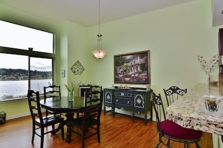 Puget Sound Waterfront - 3BR 2.5 BA - Maison de ville