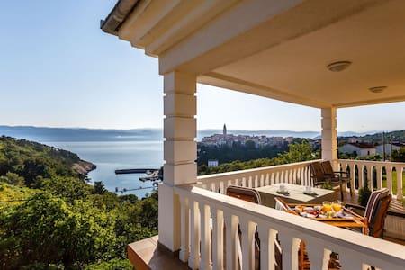 Villa Mirela - Room Pinia - Vrbnik - Bed & Breakfast