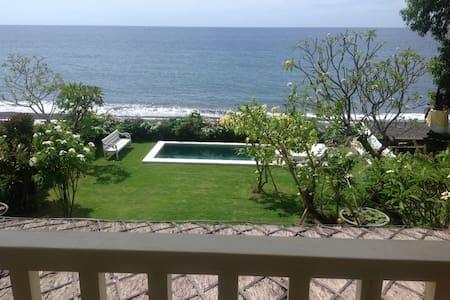 Amed BeachFront Villa PrivateSuite