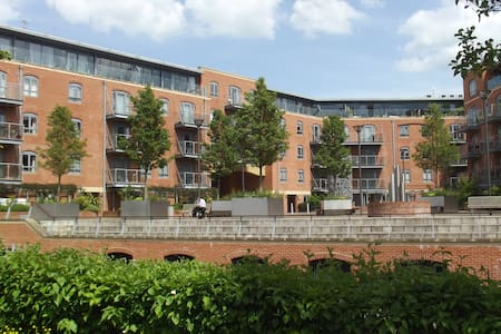Luxury  Central Oxford Apartment 14