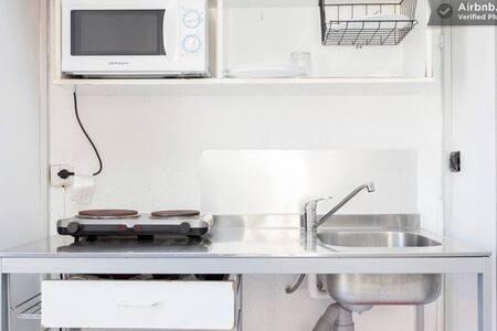 Sunny Studio in city centre GOTICO - Barcelona - Apartment