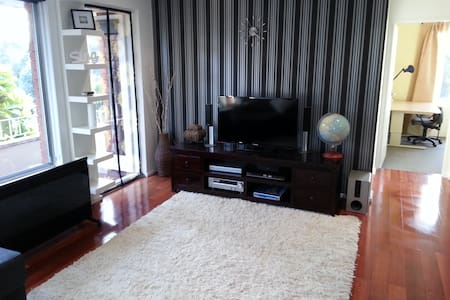 2 bedroom unit, Maroubra.
