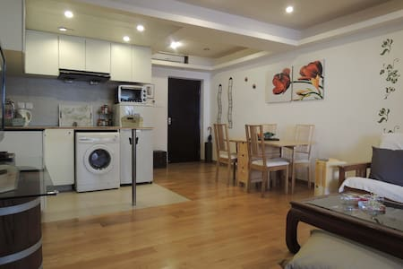 Cosy 1BR flat in the heart of Sheung Wan - Apartment