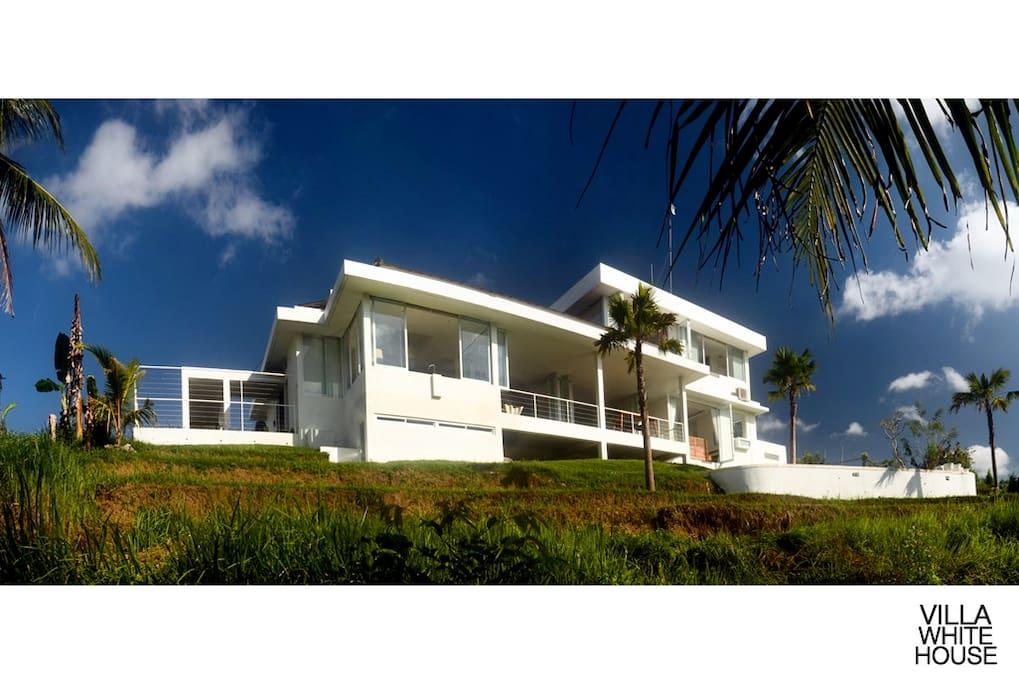 Beautiful modern white 4 BR villa