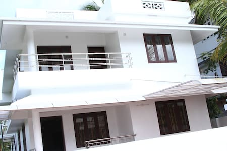4 a/c bedroom fully furnished home  - Hus