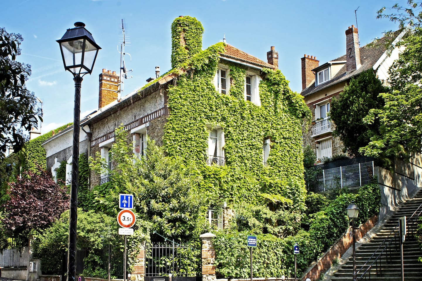 Lovely House with Garden (room N°3)