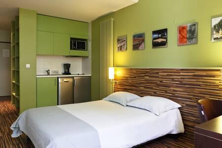 Apartment close to Charleroi Airport - Charleroi - Apartment