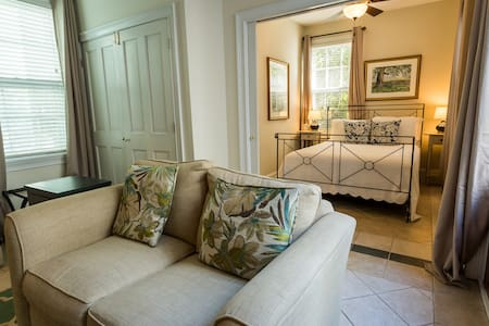 Downtown Charleston Suite for Two - Apartamento