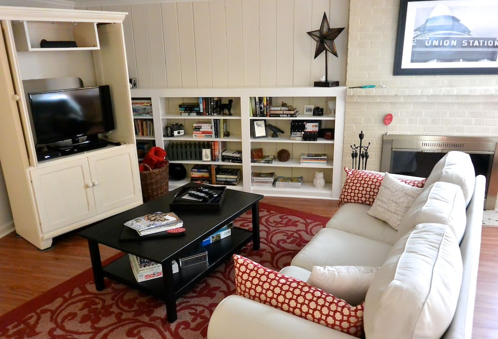 Smart TV with Hulu Plus, Netflix and HD or enjoy a good book from the library. Dedicated Wi-fi.