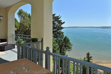 Stunning sea view -premier 2 bed 14