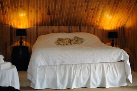 B&B The Castle Winery, FAMILY ROOM  - Corcelles-les-Arts
