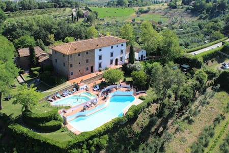 WIFI, Garden and 2 Swimming Pools! - Montaione - Apartemen