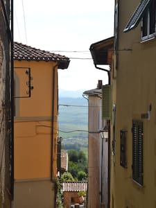 Rustic home in the heart of Montalc - Montalcino - House