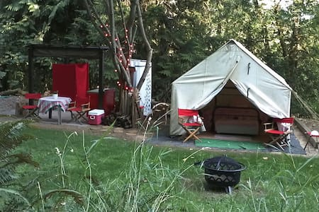 Glamping at Camp Heaven - Tent