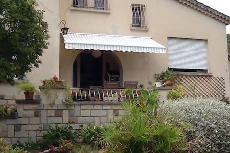 chambre privée ds villa + piscine - Toulon - Villa