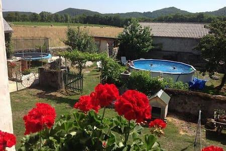 Pyreneasy Gite, Badgers Set home - Casa