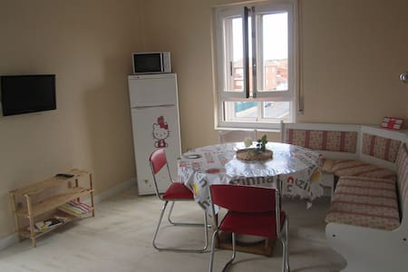 Piso en Villamañán, muy luminoso - Wohnung