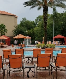 Modern Resort condo near Disney @ Champion's Gate - Davenport - Apartment