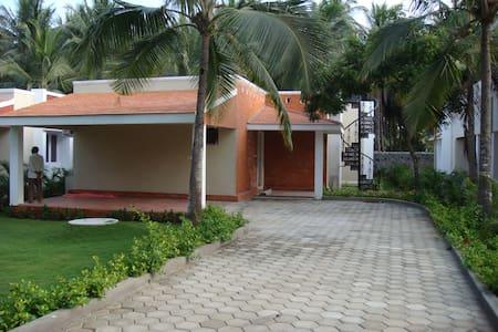 3 Bedroom Beach House/Villa in ECR - Villa