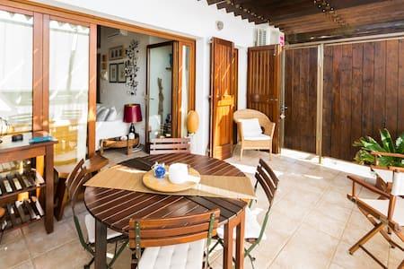 Charming apartment in  Capo Testa - Apartment