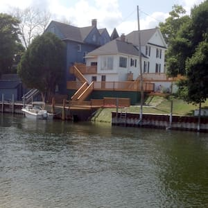 In town on the Inland Waterway - House
