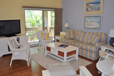 Charming 2BD Sea Pines Beach Condo - Apartmen