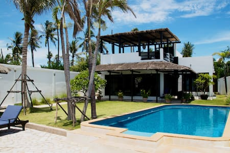 Beach house near Bangkok - Huis