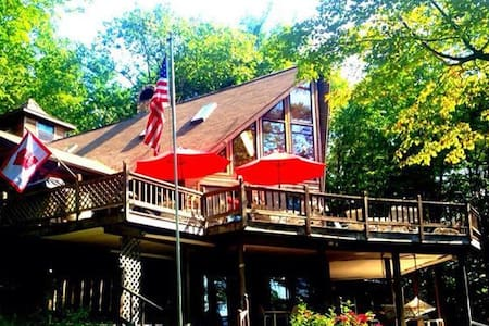 Private Maine Waterfront Chalet - Wayne - Chalet