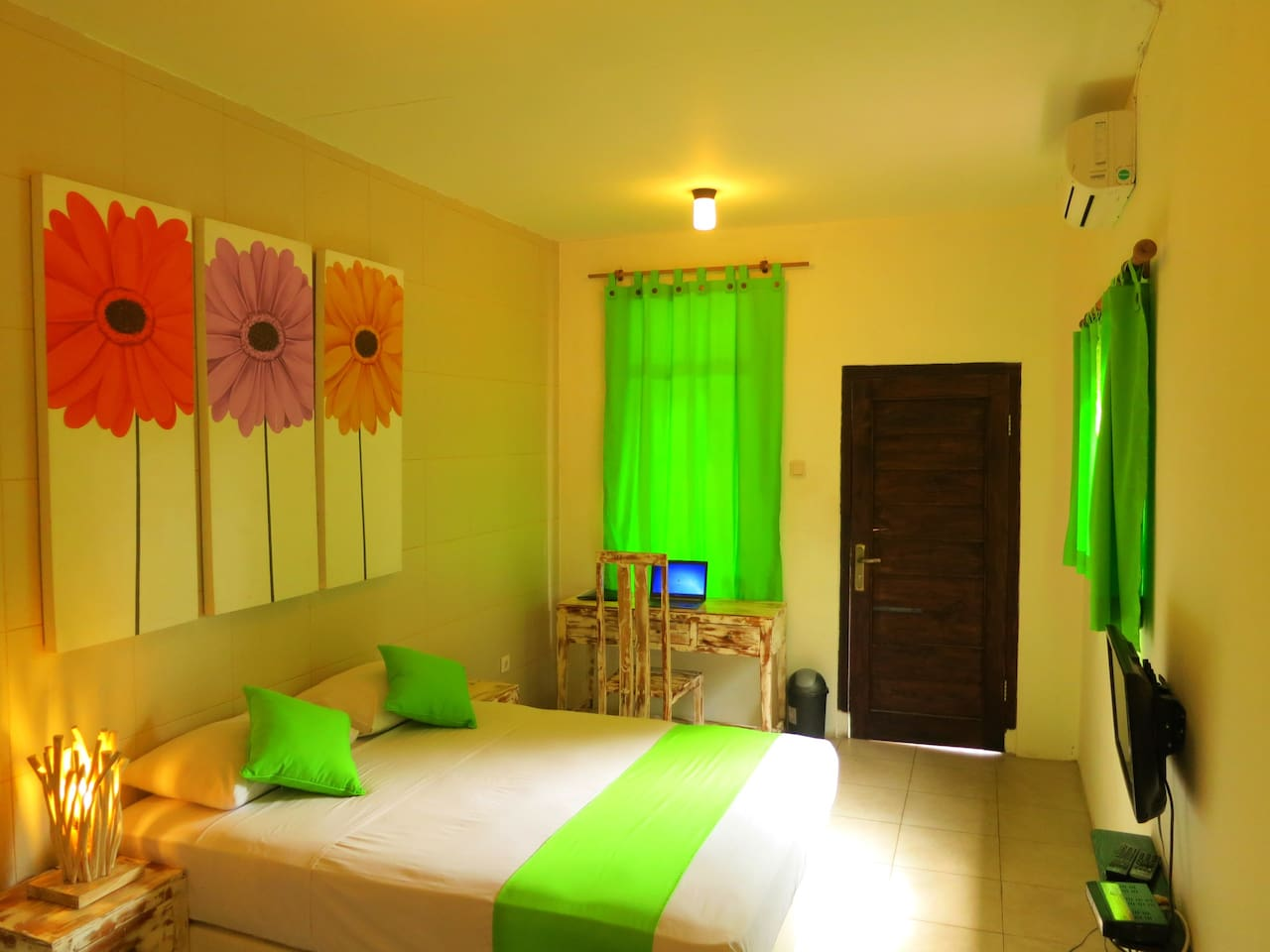 Room Flores in TigaLima Homestay