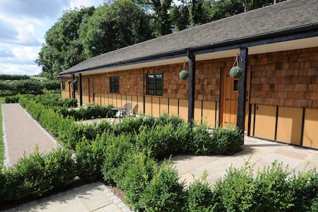 Hill Top Farm Lodges - Apartment