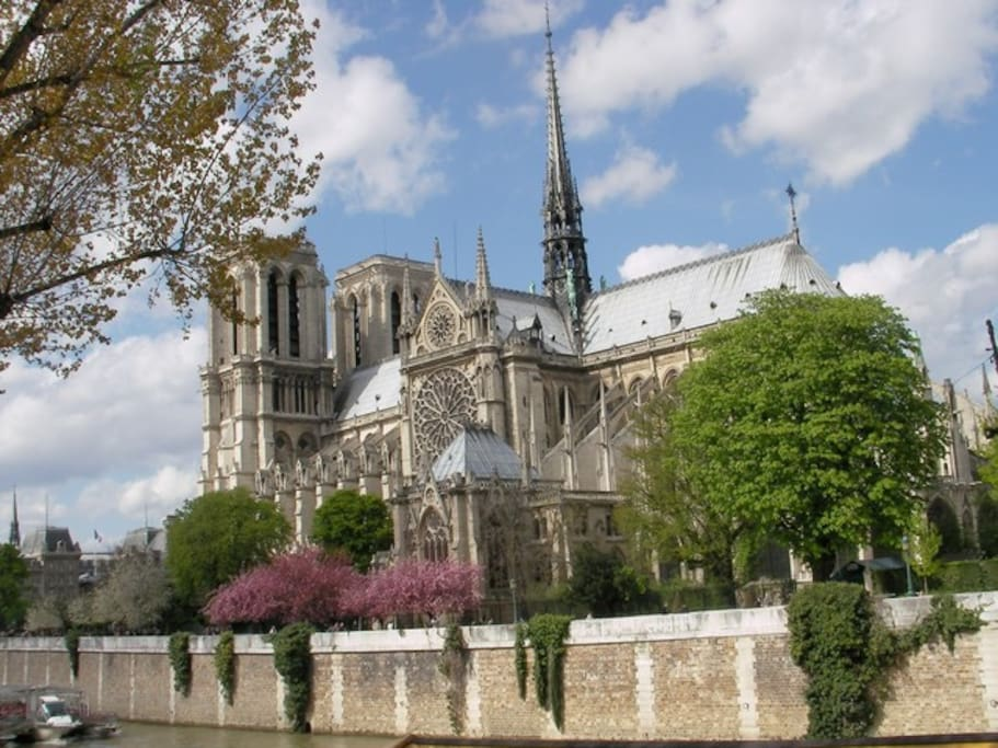 Awaken to the sounds of the bells of Notre Dame.  This is the only B&B in Paris where you can.