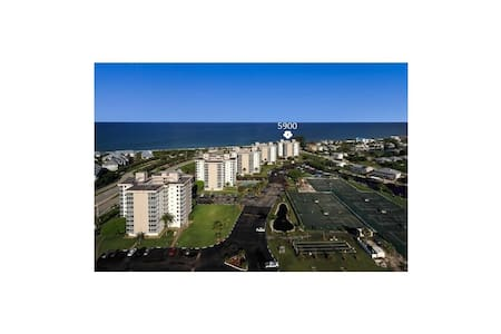 Beach &Tennis Club #1002 Top Floor GREAT VIEWS! - Bonita Springs - Kondominium