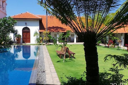 6 Bedroom Luxury Villa With Pool - Puttalam - Villa
