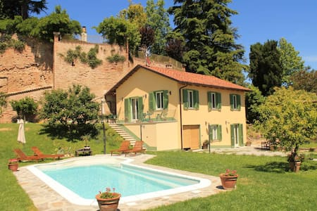 Studio among the Asti hills. 3 persons - Leilighet