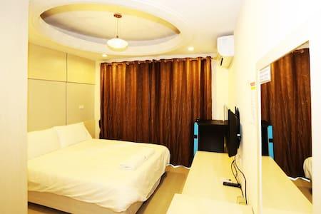 T3 RESIDENCE Soi Nakniwat 20  Ladphod 71 Bangkok - Bangkok - Apartment