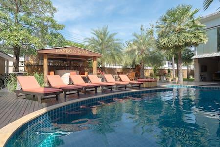 A peaceful resort outside Bangkok#1 - Samut Prakarn