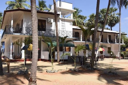 FRENCH GARDEN RESORT - Trincomalee - Casa