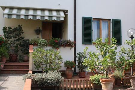 Casa con giardino nel cuore del Chianti Classico - Montefiridolfi - House