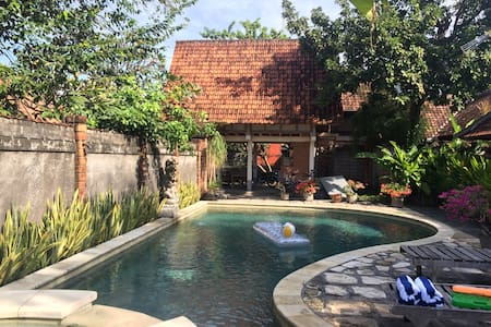 Big swimming pool villa - Denpasar - Dom