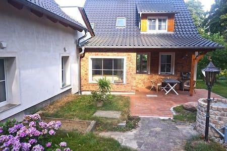 Idylisches Landhaus 30km von Berlin - Casa