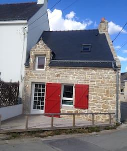charmante maison de pêcheurs (50m2) Bretagne sud - House
