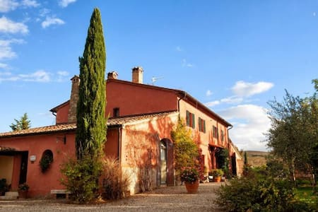 Charming country house with large garden and pool - Castiglione d'Orcia