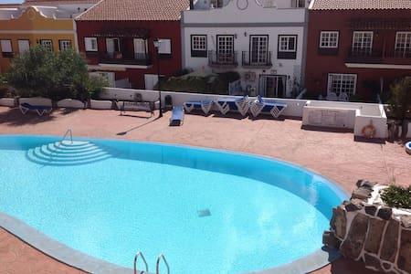 Habitación con terraza y piscina - Santa Cruz de Tenerife